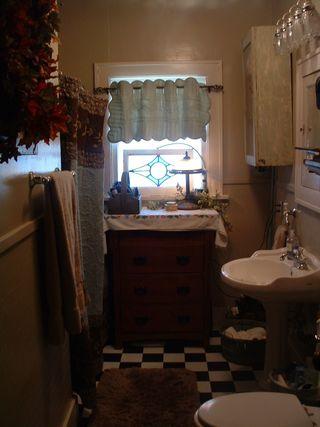 Bathroom 002